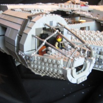 millennium-falcon2
