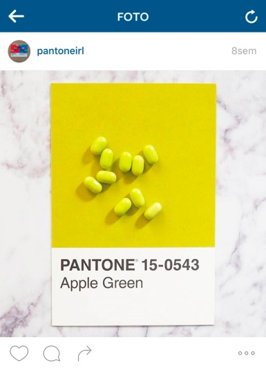 pantone15