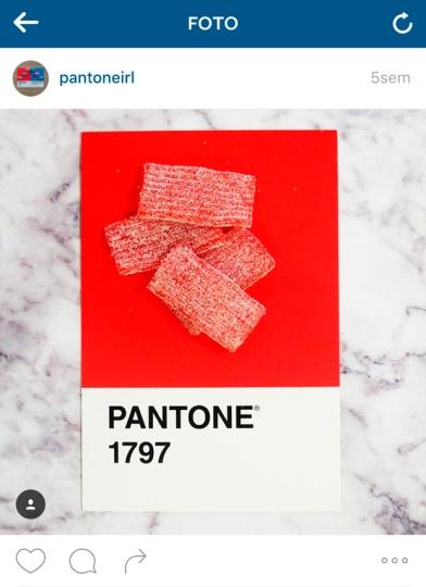 pantone1797